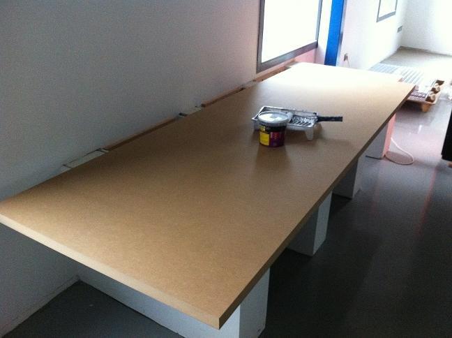 Un hangar un loft un projet non class - Peinture speciale escalier ...